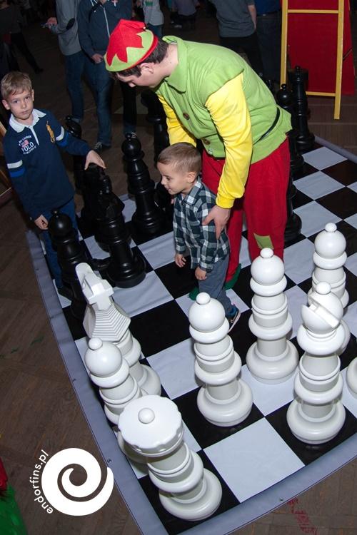 zabawa integracyjna - duże szachy