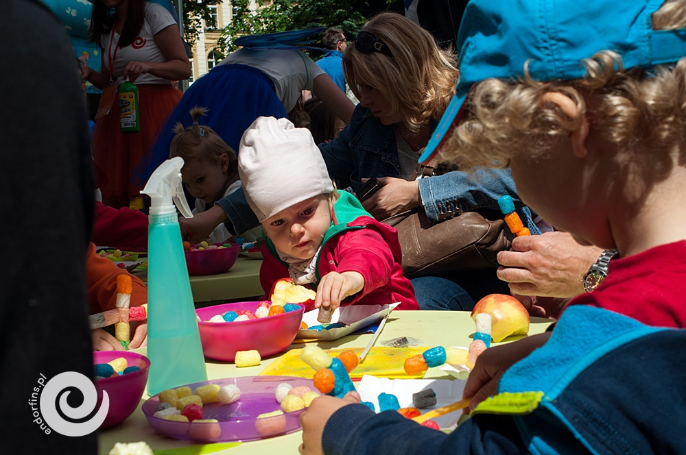 zabawy z klockami playmais, meble z ikei wynajem - animator pilnuje dzieci - łódź