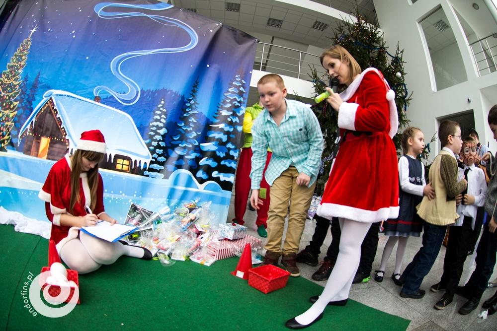 konferansjerka-prowadząca-imprezy-mikołajkowe-dla-dzieci-poznań-warszawa