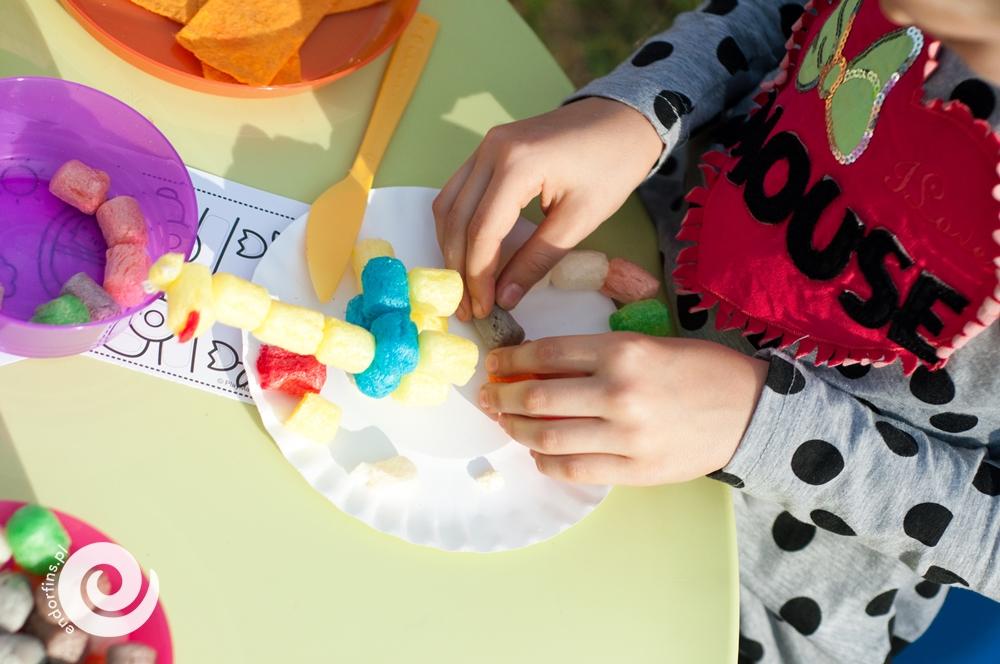 zabawa-klockami-kukurydzianymi-na-imprezie-dla-dzieci-łódź-poznań-warszawa
