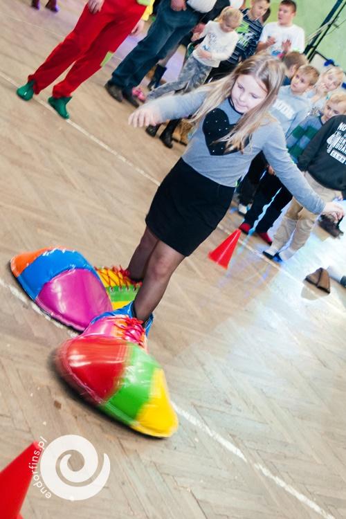 wielkie-mega-buty-klauna-do-animacji-i-konkursów-dla-dzieci-wynajem-konin-poznań-łódź